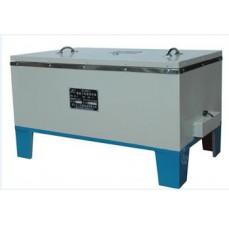 Accélération de réservoir de durcissement du béton